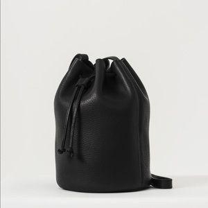 Baggu crossbody bucket bag